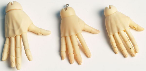 Jointed hands for bjd