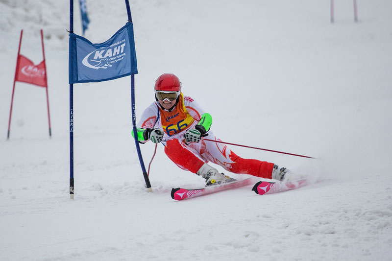 Vadim Nikitin on the course of Moscow giant slalom