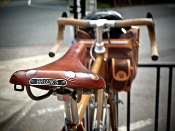 saddle_brooks